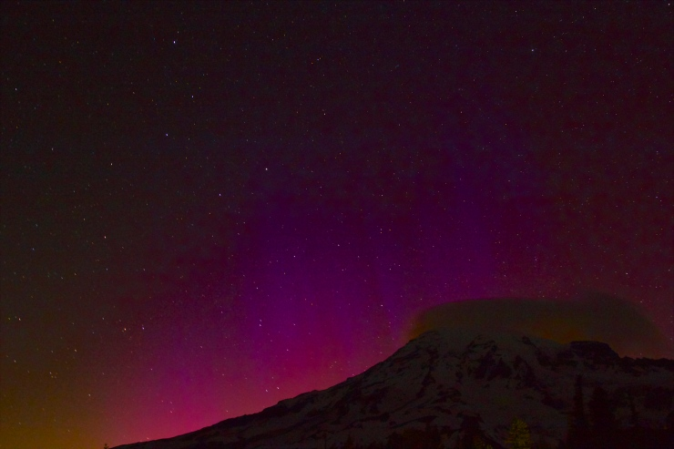 Northern Lights  on Tahoma III