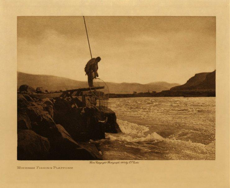 Tradition fishing at Wishram